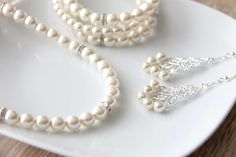 Bride Accessories, Pearl Necklace, Pearls, Jewelry, Fashion, String Of Pearls, Moda, Jewlery, Jewerly