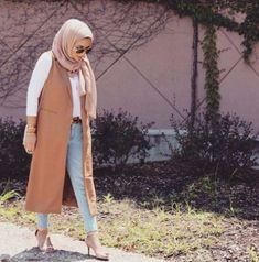 classy vest hijab outfit, Hijab spring street fashion http://www.justtrendygirls.com/hijab-spring-street-fashion/