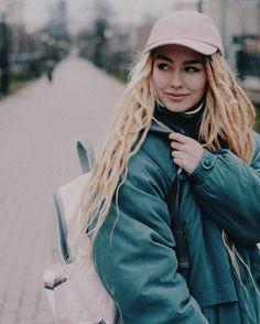 591 отметок «Нравится», 7 комментариев — ВидеоблогерФотограф Екб (@nastyachuck) в Instagram: «Прогулялись по городу, на улице стало настолько холодно, что пришлось надеть две куртки) поэтому…»