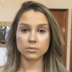 Tutorial Double Cut Crease com um toque de Glitter » Pausa para Feminices Winged Eyeliner Tutorial, Winged Liner, Makeup Tips, Beauty Makeup, Hair Makeup, Eyeshadow For Green Eyes, Makeup Mistakes, Simple Eyeliner, Blush