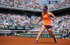 Simona Halep est une nouvelle fois débordée dans le premier set. La tête de série n°4 subit la puissance de Maria Sharapova.