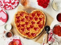 Looking for the Best Pizza Delivery in Manor park then contact at Golden Crust Pizzeria. They invest the time into their food preparation. Mini Pizzas, Pizza Recipes, Cooking Recipes, Fun Recipes, Popular Recipes, Summer Recipes, Bread Recipes, Cooking Tips, Recipies