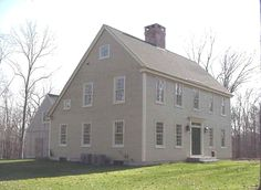 Custom Colonial Home design plans and management. Colonial Exterior, Exterior Trim, Exterior Colors, Saltbox Houses, Old Houses, Early American Homes, Usa House, Antique House, Salt Box