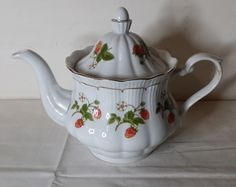 Other Porcelain & Ceramics - WALBRZYCH POLAND AD 1845 TEA POT # 14 for sale in Gauteng (ID:233321160)