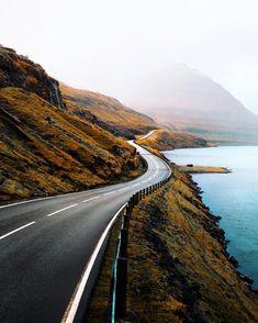 The open road 👌🏼 Beautiful Roads, Beautiful Places, Places Around The World, Around The Worlds, Nature Photography, Travel Photography, Photography Tips, Photography Tutorials, Digital Photography