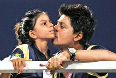 SRK and his daughter Suhana. They are twins! #SRK #Shahrukh #Bollywood