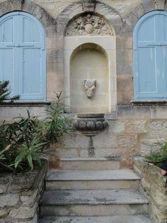 Villeneuve-lès-Avignon ou Villeneuve-lez-Avignon est une commune française, située dans le département du Gard en région Languedoc-Roussillon.