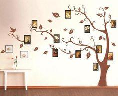 Семейное дерево с фотографиями на стене