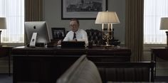 Apple iMac computer used by Kevin Spacey in HOUSE OF CARDS: CHAPTER 14 (2014) #Apple