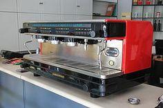 LA CIMBALI - M32 DOSATRON (3GROUP) Espresso Machine, Coffee Maker, Kitchen Appliances, Home, Espresso Coffee Machine, Coffee Maker Machine, Diy Kitchen Appliances, Coffee Percolator, Home Appliances