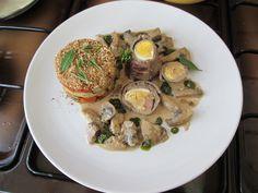 Veau   rollè  farci   et  torteau de  legumes  a  la façon  rustique   sauce   jus  de   champignons  et    basilique    Gino D'Aquino