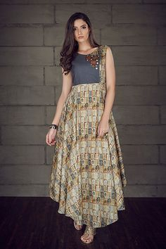W17-26 - Asymmetric digital print kurti highlighted with wooden buttons