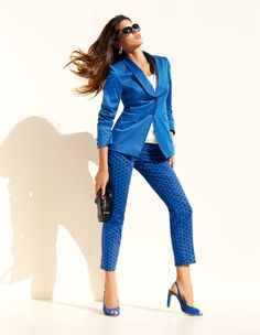 Blazer und 7/8-Hose in Royal-Blau.