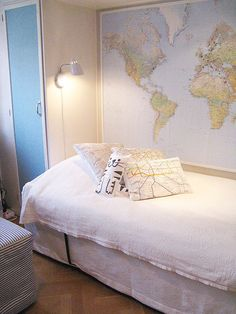 Antiques maps can be obvious like the one on the wall, or subtle, like the map pillows. Maps make great decor in every space! Residence Life, Globe Decor, Tumblr Rooms, Room Themes, Dream Rooms, New Room, Room Inspiration, Interior Decorating, House