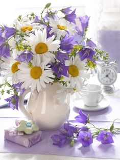 💜 Lavender and Yellow Beautiful Bouquet Of Flowers, Fresh Flowers, Purple Flowers, Beautiful Flowers, Flower Arrangements Simple, Flower Vases, Sunflowers And Daisies, Good Morning Flowers, Shabby Flowers