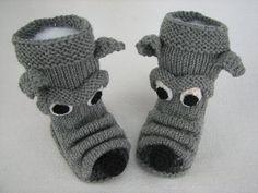 Crochet Baby Boots, Knit Baby Dress, Crochet Socks, Knitting Socks, Baby Knitting, Knit Crochet, Crochet Doily Diagram, Crochet Doilies, Knitting Projects