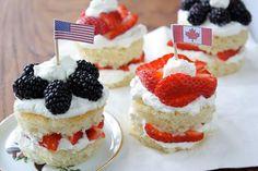 USA and Canada mini Cakes :)