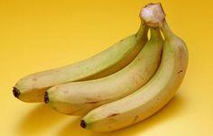 香蕉不能放進冰箱?你知道原因嗎?美國食品及藥物管理局宣佈,允許香蕉業宣傳香蕉能降低血壓高和中風機會。讀完這篇文章,你將會對「香蕉」有另外一種看法。香蕉含有三種天然糖份:蔗糖、果糖和葡萄糖;再加上纖維質。研究顯示,兩條香蕉,可以提供足夠能量維持90分鐘劇烈的運動。難怪很多世界知名的運動員都以香蕉為首選生果。但是,香蕉不單只提供能量。香蕉還可以幫我們克服或治療好多病癥和身體狀況,使我們必需把香蕉加進