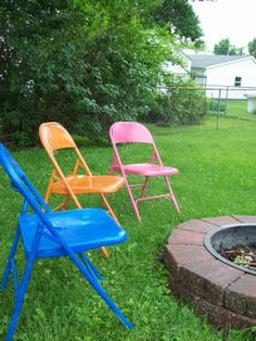 I just happen to have some ugly old metal chairs!