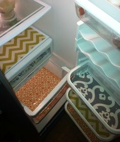just discovered this great and cute idea!! fabric for your fridge!! love love love @BenitaWizeHouse Friger4