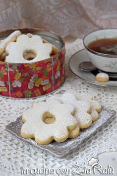 Canestrelli ricetta dolce ligure - In cucina con Zia Ralù Healthy Family Meals, Healthy Recipes, Zia, Friend Recipe, Biscotti, Italian Recipes, Cookies, Desserts, Drink