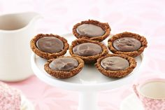 Just four ingredients are all it takes to create these more-ish chocolate tartlets treats. Dark Chocolate Recipes, Cooking Chocolate, Chocolate Caramels, Chocolate Tarts, Chocolate Ganache, Chocolate Chips, Mini Desserts, Dessert Recipes, Dessert Food