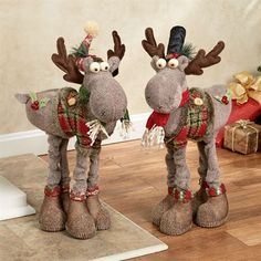 Holiday Moose Figure Set