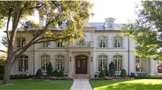 white brick house with beautiful trim! love this home and materials… white brick house with beautiful trim! love this home and materials… Image Size: Brick House Designs, Brick Design, Door Design, White Brick Houses, Traditional Exterior, French Country House, Facade House, Architecture, Exterior Design