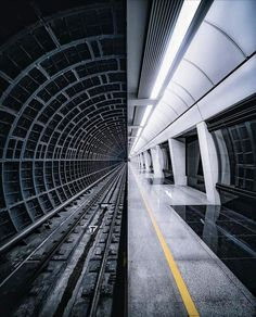 Neat metro station in Moscow Urban Photography, Creative Photography, Digital Photography, Street Photography, Morning Photography, Underground Series, Level Design, Moscow Metro, Metro Station