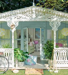 Discover all of your outdoor essentials, from family games kits to the perfect planters in the Laura Ashley Garden range 🏡 Laura Ashley Garden, Summer Sheds, Country Cottage Interiors, Small Wall Mirrors, Country Style Homes, Southern Style, Country Chic, Childrens Room Decor, Outdoor Areas