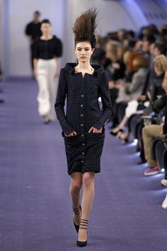 Obsessed with the jacket and cut, need those shoes. More Chanel PFW 2012.