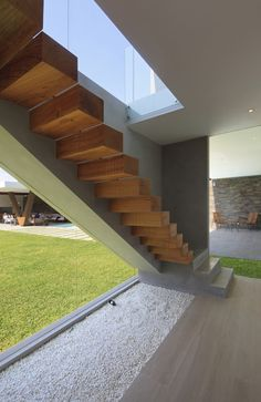 Casa Mar de Luz by Oscar Gonzalez Moix Take The Stairs, Modern Stairs, Stair Steps, Modern Mansion, Interior Stairs, Staircase Design, House Goals, Stairways, Beautiful Homes