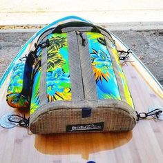 DeckBagZ, the original & only manufacturer of vintage surf style paddle board deck bag. Extremely high quality and style SUP deck bags in many great colors! Made in USA. Stand Up, but Stand Out! Best paddleboard deck bag for your SUP! Perth, Brisbane, Sup Stand Up Paddle, Sup Paddle, Cairns, Best Paddle Boards, Surf Boards, Sup Girl, Sup Accessories