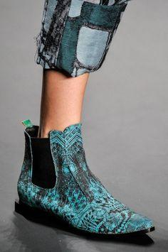 c2f9a1864 Galeria de Fotos Acerte o passo: os melhores sapatos nas tendências mais  quentes do SPFW // Foto 28 // FFW