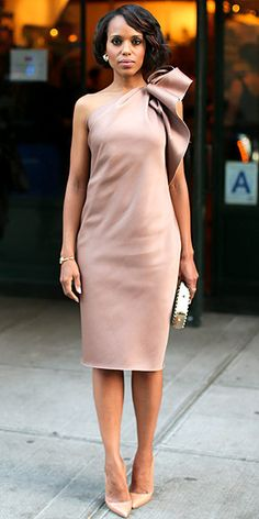 KERRY WASHINGTON Kerry's outfits are like a gift to us. So its fitting that she wraps herself like a present in this beige Lanvin confection with an architectural bow at the shoulder (plus a textured Tods clutch) for the Elle and Tods N.Y.C. event celebrating her magazine cover.