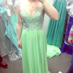 Green Sequined Top Prom Dress Green prom dress with sequined top. Great condition, only worn once. Runs a little big. Dresses Prom
