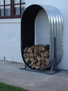 You want to build a outdoor firewood rack? Here is a some firewood storage and creative firewood rack ideas for outdoors. Lots of great building tutorials and DIY-friendly inspirations! Outdoor Projects, Outdoor Decor, Outdoor Living, Indoor Outdoor, Outdoor Ponds, Rustic Outdoor, Diy Projects, Firewood Storage, Firewood Holder