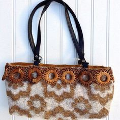 Vintage fashion bag - vintage style handbag made from a bath towel Unique Handbags, New Handbags, Vintage Handbags, Fashion Handbags, Fashion Bags, Handmade Handbags, Gothic Rock Bands, Geek Gifts For Him, Vintage Outfits