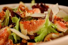 Raw fig and fennel salad