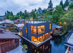 A sleek, modern floating home on Portage Bay - Curbed Seattle Portage Bay, Floating Architecture, Houseboat Living, Unusual Homes, Floating House, Tiny House Movement, Built Environment, Prefab, My New Room