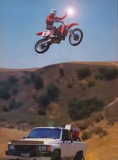 This is my favorite pic of Johnny O'Mara.doing a one hander while jumping his over his truck at Hondaland, Honda's secret test track Moto Bike, Motorcycle, Motocross Riders, Off Road Bikes, Vintage Motocross, Fun Shots, Dirtbikes, Vintage Bikes, Sport