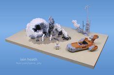 Luke Skywalker's Grisly 'Burning Homestead' Scene From Star Wars: A New Hope Recreated Using LEGO Star Wars Minifigures, Lego Star Wars, Cool Lego, Cool Toys, Starwars, Lego Clones, Lego Army, Lego Mechs, Lego Models