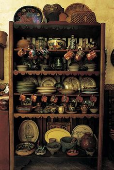 beautiful collection of Mexican dishes All photos © Melba Levick Mexican Style Kitchens, Mexican Style Homes, Mexican Kitchen Decor, Mexican Home Decor, Mexican Art, Mexican Dishes, Mexican Hacienda, Hacienda Style, Mexican Furniture