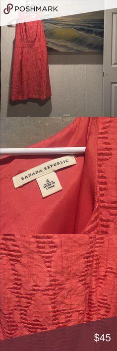 Banana Republic sheath Peony pink banana Republic sheath dress. Great texture, flawless condition. Size 4 Banana Republic Dresses