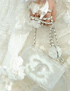`Chanel• Wedding edition