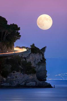 'The Fisherman': moonlight seascape, Savona, Italy (photo by Paolo Lombardi) Beautiful Moon, Beautiful World, Beautiful Places, Moon Photos, Moon Pictures, Stars Night, Magic Places, Shoot The Moon, Full Moon