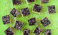 Selterskuchen                              -                                  Ein saftiger Kuchen auf dem Blech mit Schokoladenguss