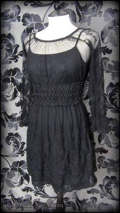Black Floral Lace Summer Tea Dress M 10 12 Romantic Bohemian Goth Hippie Vintage | THE WILTED ROSE GARDEN