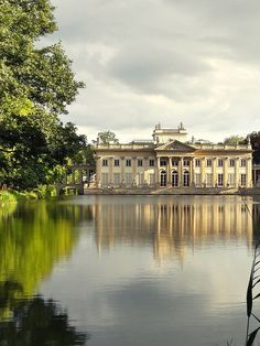The best attractions in Warsaw - Royal Baths Warsaw, Baths, Attraction, Travelling, Places To Visit, Louvre, The Incredibles, Mansions, House Styles