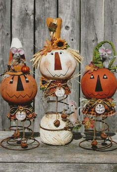 Primitive E-Pattern A Nod of the Head to Fall image 8 Primitive Scarecrows, Primitive Pumpkin, Primitive Crafts, Primitive Christmas, Country Christmas, Wood Crafts, Primitive Autumn, Primitive Stitchery, Bed Spring Crafts